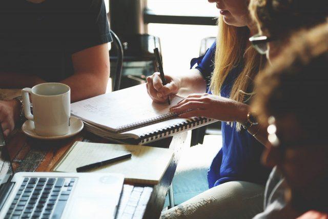 Pourquoi vous devriez traiter votre blog d'entreprise comme un atout commercial