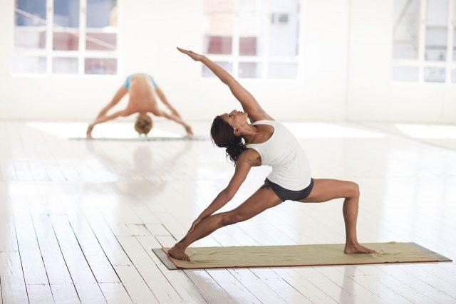 Postures de yoga pour soulager les symptômes d'allergies